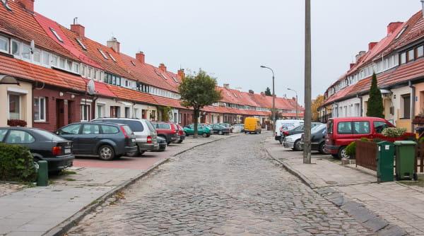 Nawierzchnia jezdni po remoncie nadal będzie wykonana z kostki, zaś na chodnikach pojawią się betonowe płytki z kamienną opaską.