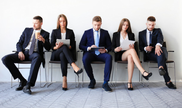 Jedną z najbardziej spornych kwestii jest źródło zarobków agencji pracy.