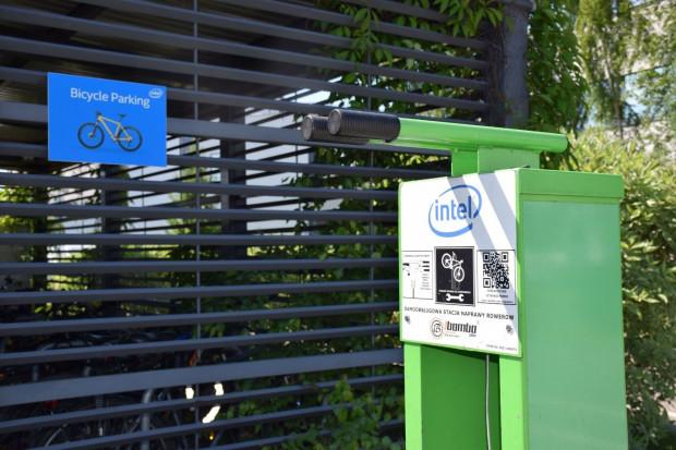 Intel wspiera osoby aktywne. Nie tylko rowerzystów, ale też tenisistów czy kajakarzy.