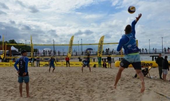 Aktywny weekend to także turnieje siatkówki plażowej.
