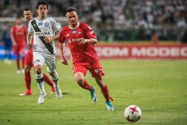 Sławomir Peszko na mecz numer 211 w ekstraklasie poczekać musi do 14 sierpnia.