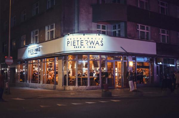 W restauracji Pieterwas Krew i Woda z Gdyni, która nagrodę Wine Spectatore otrzymała drugi rok z rzędu, stawia się na oryginalność.