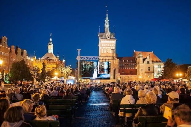 Od siedmiu lat plenerowy projekt oper na Targu Węglowym jest jedną z atrakcji lata w Gdańsku. W sobotę 15 lipca o godz. 20 odbędzie się ósma edycja imprezy.