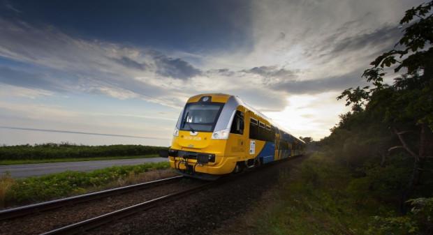Podróżując pociągiem na Półwysep Helski nie tylko omijamy korki, ale też możemy podziwiać piękne widoki.