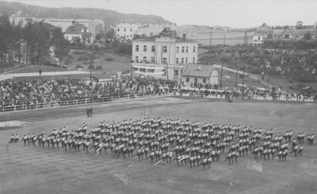 """Zlot dzielnicy pomorskiej Towarzystwa Gimnastycznego """"Sokół"""" w Gdyni w lipcu 1932 r."""
