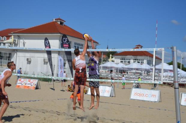 Do tej pory pogoda nie sprzyjała plażowym siatkarzom. W Sopocie nareszcie doczekali się w tej kwestii poprawy.