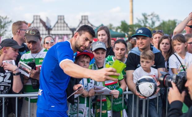 Dusan Kuciak jest jednym z ulubieńców gdańskich kibiców. Wielu z nich uważa go za najlepszego piłkarza Lechii.