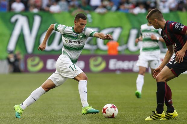 Lukas Haraslin ma jeszcze ważny przez rok kontrakt z Lechią. Niewykluczone, że Słowak go przedłuży, ale jeśli trafi się satysfakcjonująca klub oferta, może opuścić Gdańsk.