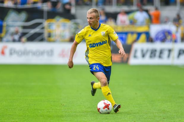 Patryk Kun pięciokrotnie grał przeciwko Sandecji Nowy Sącz w I lidze. W barwach Stomilu Olsztyn i Rozwoju Katowice zanotował w tych meczach 2 zwycięstwa, remis i 2 porażki przy bilansie bramkowym 7:3. W ostatnim pojedynku zaliczył asystę.