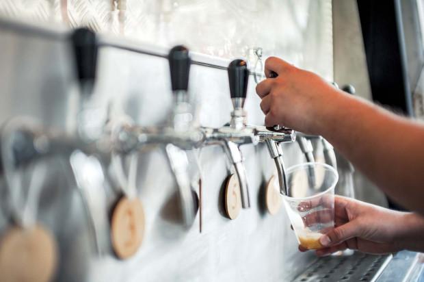 Każdy porządny wielokran wyposażony jest nie tylko w szklanki do piwa o różnej pojemności, ale i 50-mililitrowe kieliszki do degustacji.