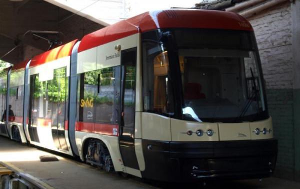 Imię Jeremiasza Falcka nosi tramwaj Pesa Swing o numerze bocznym 1028.