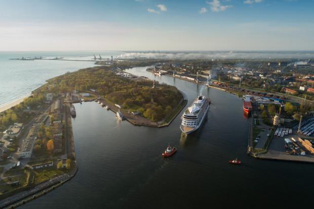W ramach organizowanego przez Pomorską Specjalną Strefę Ekonomiczną programu Space3ac Intermodal Transportation wspiera pracujące z technologiami satelitarnymi firmy, które w procesie akceleracji opracują rozwiązania dla dużych instytucji operujących w sektorze transportowym - trójmiejskich portów, Instytutu Morskiego, czy firmy spedycyjnej OT Logistics.