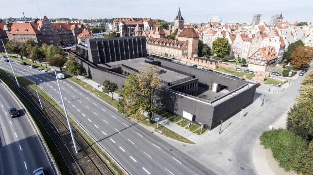 Problemy ze sponsorami i niewielkie dotacje celowe dla GTS doprowadziły do okrojenia Festiwalu Szekspirowskiego i zawieszenia części organizowanych w Teatrze Szekspirowskim wydarzeń.
