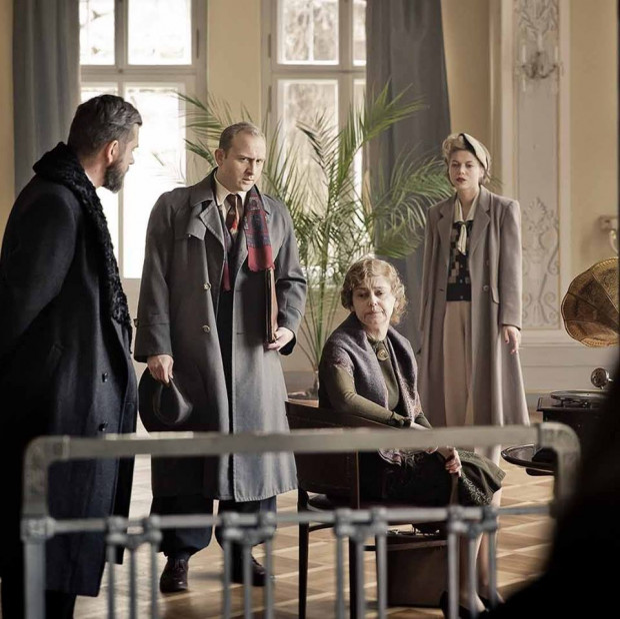 """Olga Bieniek: """"Kamerdyner"""" to nie jest film o wojnie, jest to film z wojną w tle, czyli batalistyka będzie ograniczona do niezbędnego minimum. Pokażemy za to losy ludzi, którzy mieszkali m.in. w Gdańsku przez pryzmat wydarzeń, jakie niosły ze sobą I i II wojna światowa."""