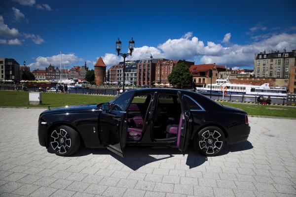 Rolls-Royce Ghost Black Badge - samochód możnych tego świata.