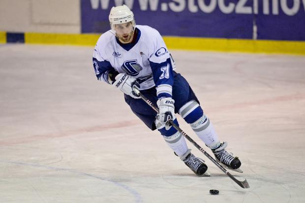 Marek Wróbel brał udział w odbudowie ligowego hokeja w Gdańsku, a dzięki dobrym występom trafił do Cracovii. Teraz aktualny mistrz Polski wraca do MH Automatyki, by wspomóc ją podczas drugiego sezonu w krajowej elicie.