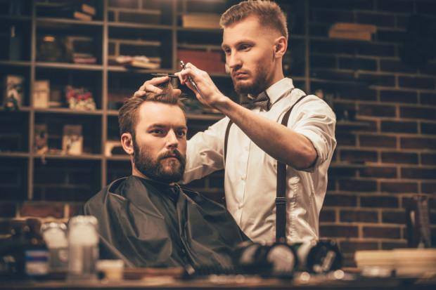 faceci z brodami się umawiają negatywne aspekty eseju randkowego