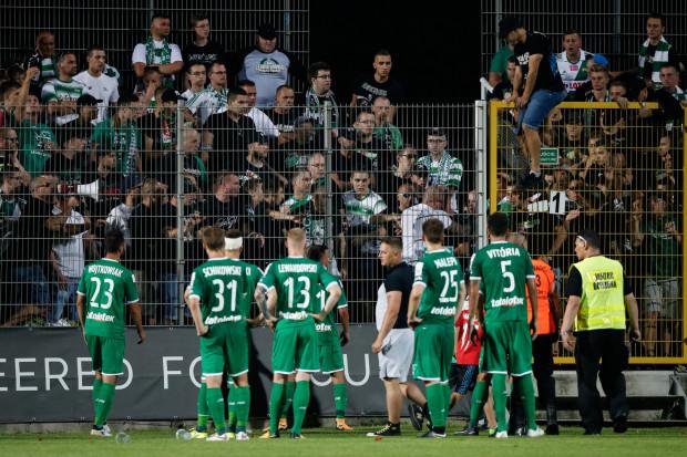Kibice Lechii w ostrych słowach po meczu w Bytowie dali wyraz tego co sądzą o grze gdańskich piłkarzy.