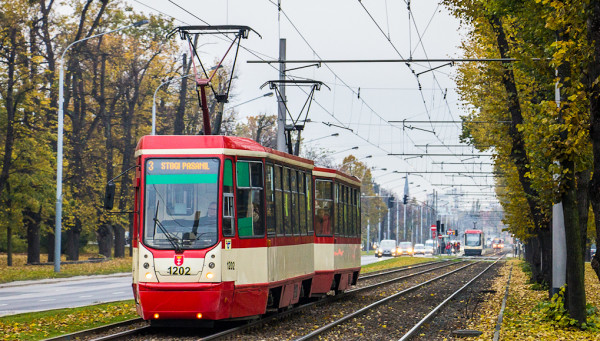Najstarsze eksploatowane liniowo wagony 105Na pochodzą z 1976 r.