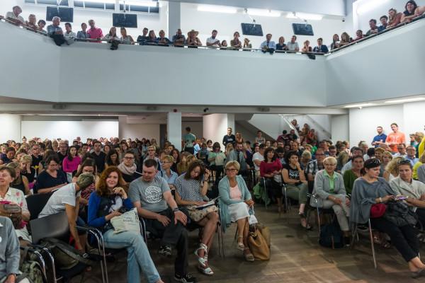 Co roku spotkania z autorami w Państwowej Galerii Sztuki przyciągają prawdziwe tłumy.