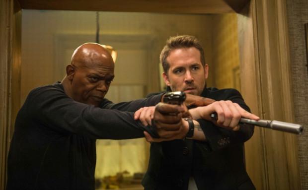 """Samuel L.Jackson i Ryan Reynolds to prawdziwa ozdoba """"Bodyguarda"""". Świetnie skrojony duet przypomina równie wybuchową mieszankę, co Russel Crowe i Ryan Gosling w ubiegłorocznym """"Nice Guys""""."""