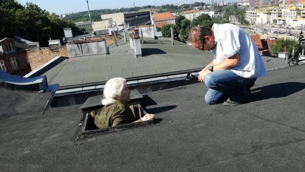 Operatorem i osobą odpowiedzialną za charakter artystyczny filmu jest Wojciech Ostrowski (na zdj. razem z odtwórcą głównej roli, Krzysztofem Balińśkim).