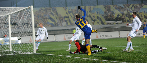 Tadas Labukas strzela na 1:1. Potem Litwin dał jeszcze Arce prowadzenie po uderzeniu z karnego.