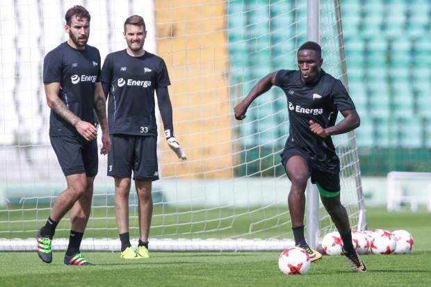 Romario Balde (z piłką) dotychczas błyszczał w reprezentacjach i rozgrywkach młodzieżowych. Portugalczyk liczy na to, że w Lechii Gdańsk w końcu zabłyśnie w seniorskiej piłce.