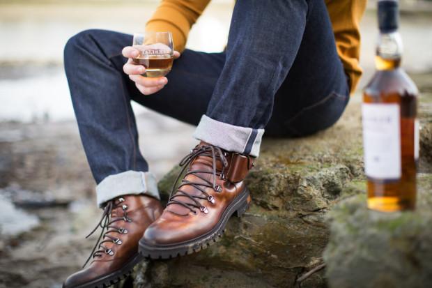 Połączenie obuwia ze szkocką whisky? Tak stało się za sprawą współpracy dwóch marek: Talisker i Oliver Sweeney.