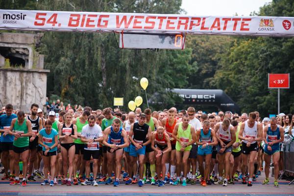 Bieg Westerplatte co roku przyciąga kilka tysięcy uczestników.