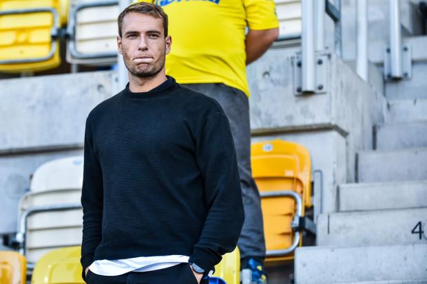 W ostatnim meczu ligowym Frederik Helstrup wreszcie zamienił trybuny na boisko i pokazał się z dobrej strony.