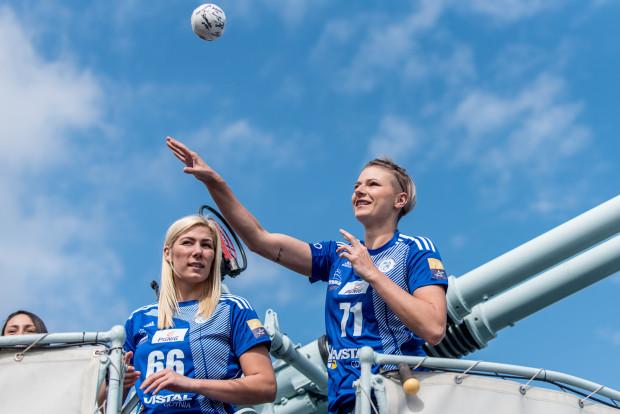 Martyna Borysławska (z prawej) powinna stopniowo odgrywać coraz ważniejszą rolę w Vistalu. Jak twierdzi sama rozgrywająca, w Gdyni ma znakomite warunki do rozwoju.