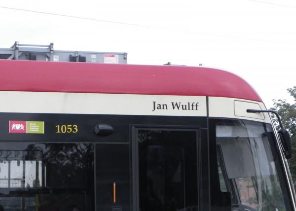 Jan Wulff jest patronem tramwaju Pesa Jazz Duo o numerze 1053
