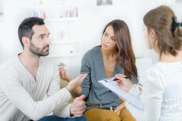 Negatywne emocje są wpisane w sytuację rozstania. Badania psychologów dowodzą, że rozwód to jedno z najsilniej stresujących wydarzeń w życiu człowieka.