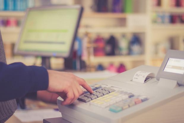 Niewypłacanie wynagrodzenia jest ciężkim naruszeniem podstawowych obowiązków pracodawcy wobec pracownika.