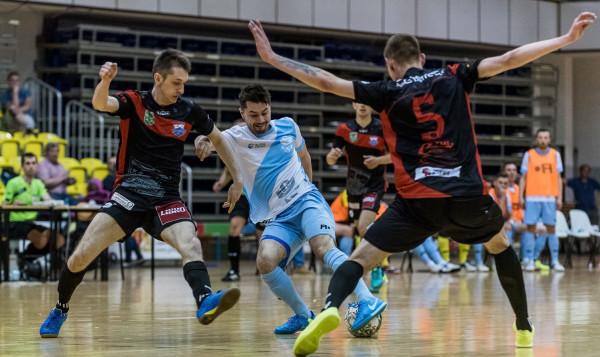 Michał Horbacz łączy grę w futsal z rozgrywkami B klasy i Pucharem Polski w piłce nożnej na trawie w barwach Sopockiej Akademii Piłkarskiej.