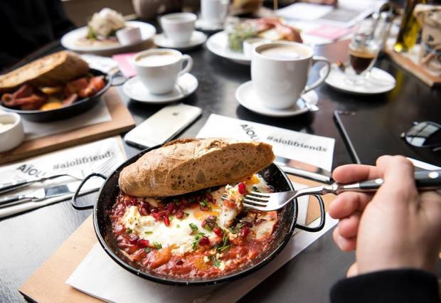 Trend na śniadanie za złotówkę zapoczątkowała w Trójmieście restauracja Aioli. Podobne promocje wprowadzają kolejne lokale.