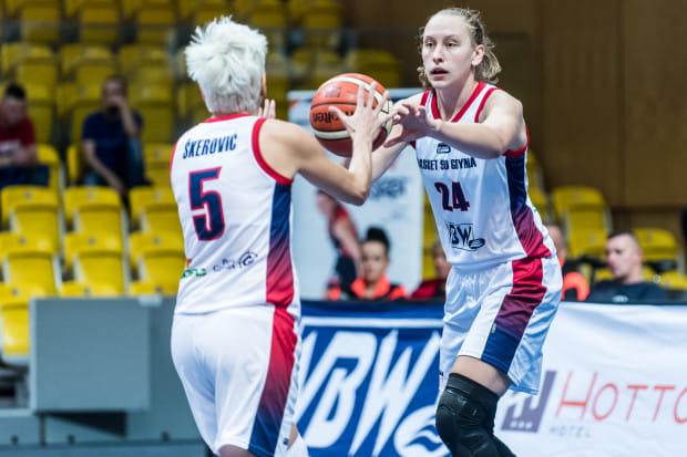 Sophię Aleksandravicius i jej koleżanki z Basketu 90 czeka w czwartek pierwszy test z drużyną ze ścisłej czołówki ligi polskiej.