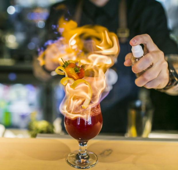 Atrakcyjne promocje dotyczą nie tylko śniadań. W restauracji Zante z poniedziałkowych koktajli za pół ceny korzysta sporo osób. Lokal codziennie ma zniżkę na wybrane pozycje z menu.