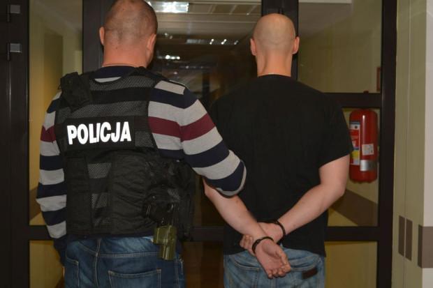 Jednego z zatrzymanych mężczyzn sąd aresztował już na trzy miesiące.
