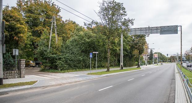 Teren graniczący z al. Zwycięstwa i ul. Cyprysową został przez miasto wyceniony na 5,7 mln zł.