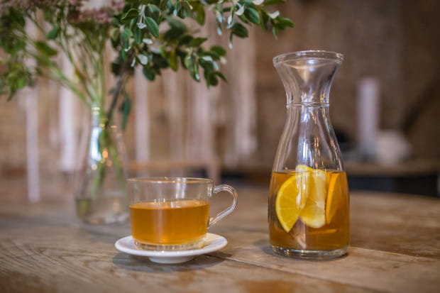 Aromatyczne napary to dobra alternatywa dla tradycyjnych herbat. Większość z nich ma też właściwości prozdrowotne.