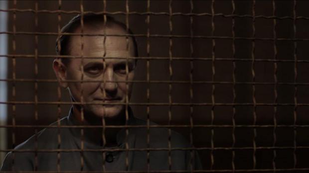 Niezaprzeczalnym atutem filmu jest genialny (i genialnie ucharakteryzowany) Andrzej Chyra jako Władysław Mazurkiewicz, morderca, który w latach 50. XX wieku miał już na koncie co najmniej 36 zabójstw. Ostatecznie udowodniono mu tylko sześć.