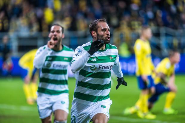 Flavio Paixao po zdobyciu zwycięskiego gola w derbach w Gdyni.