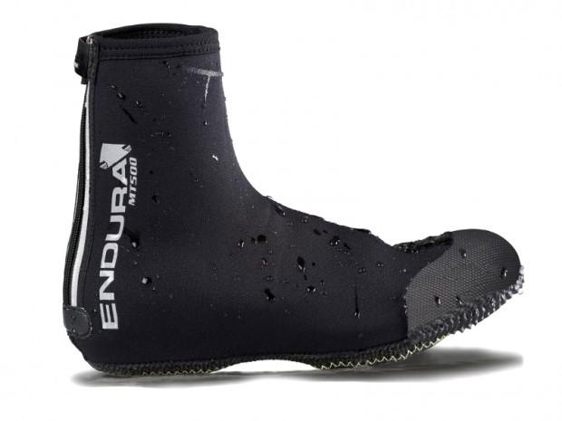 Wodoodporne pokrowce na buty wpinane (mogą być też zakładane na zwykłe)