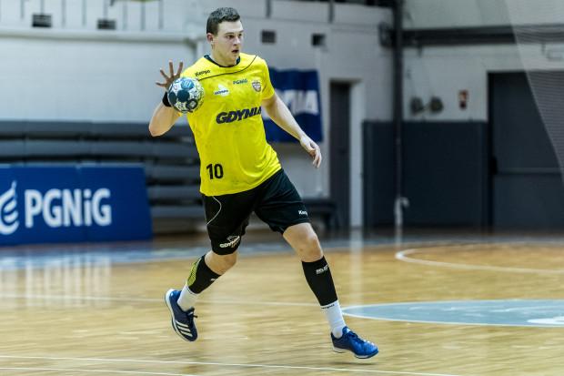 Kamil Pedryc był najskuteczniejszym piłkarzem ręcznym Spójni Gdynia w Puławach.