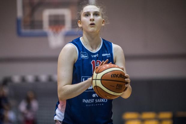 Anna Makurat w wieku 17 lat zadebiutowała w seniorskiej reprezentacji Polski i zdobyła 7 punktów.