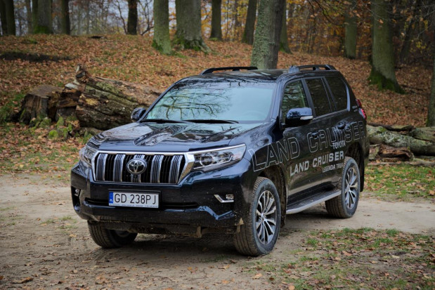 Ceny nowej, 5-drzwiowej Toyoty Land Cruiser startują od 199 tys. zł.