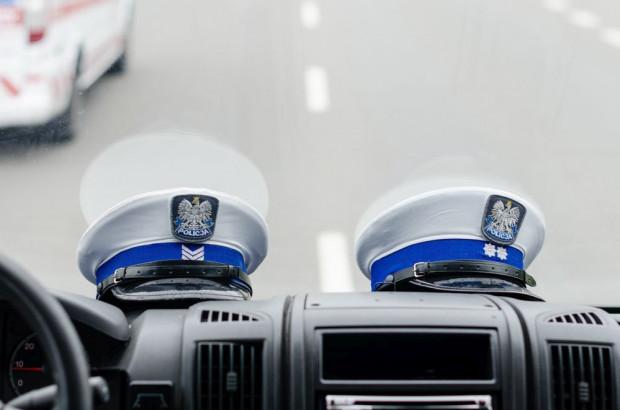 Policjanci uniemożliwili kobiecie dalszą jazdę.