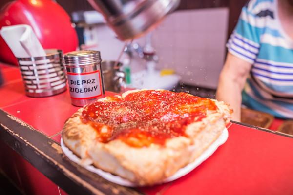 Nieprzyzwoicie gruba pizza z Gdynianki.